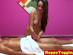 Massage der Thai endet mit Happy End